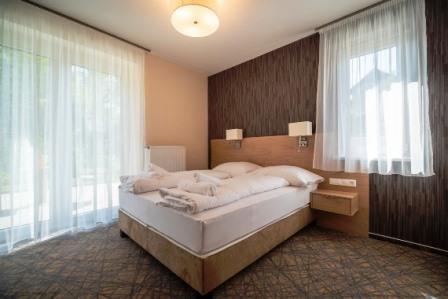 Easy-Hotel-szoba-heviz