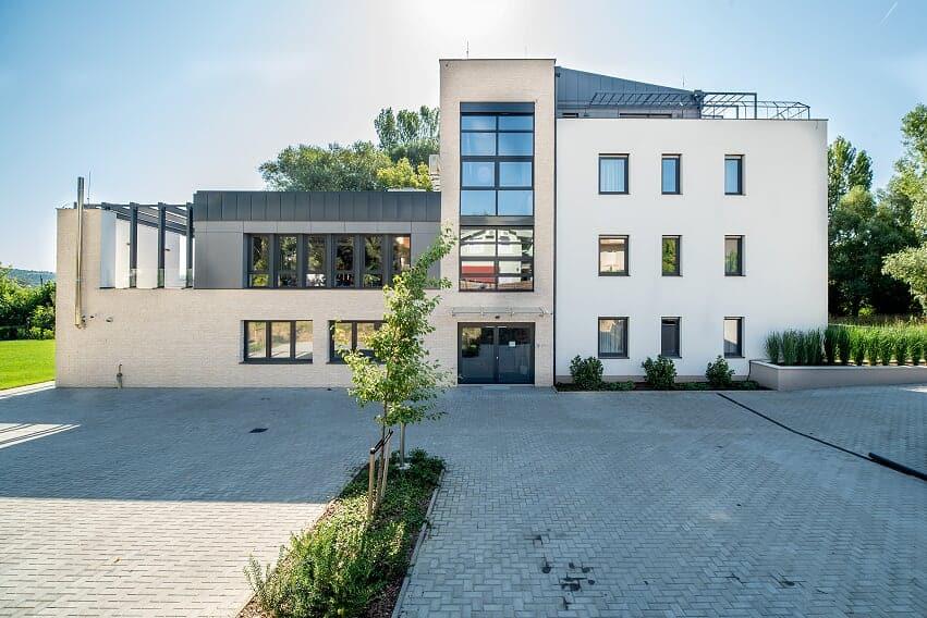 easy-suites-heviz-épülete